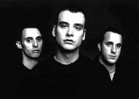 22.11.2001 – Alkaline Trio / Crackout / Summer´s Last Regret – Köln Underground