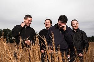 Pilot to Gunner: Re-Release des Debüts & Europatour