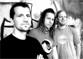 Interview mit Skin of Tears (April 2004)