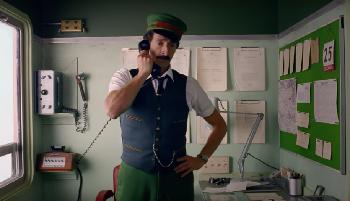 Wes Anderson präsentiert H&M-Werbespot mit Adrien Brody