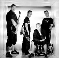 i-against-i-band-2000.jpg