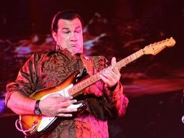 steven-seagal-tour.jpg